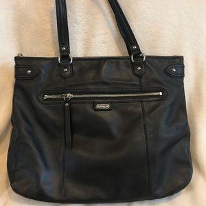 Coach - Black leather tote